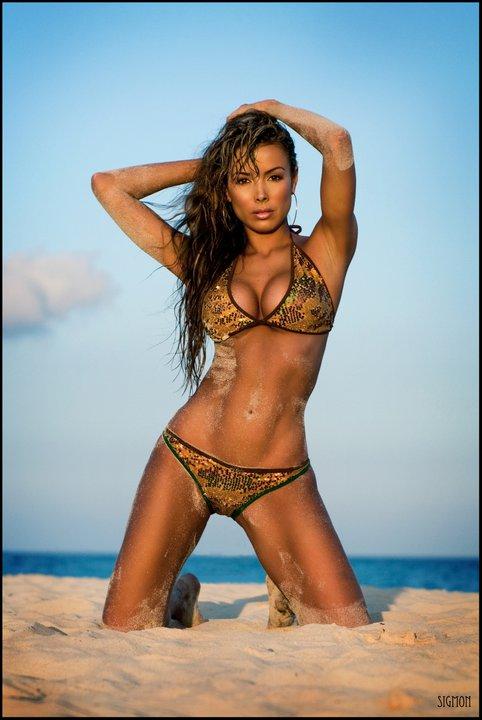 Shiny Colombian Bikini