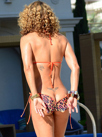 jennifer-nicole-lee-Sexy Bikini-Scrunch Back