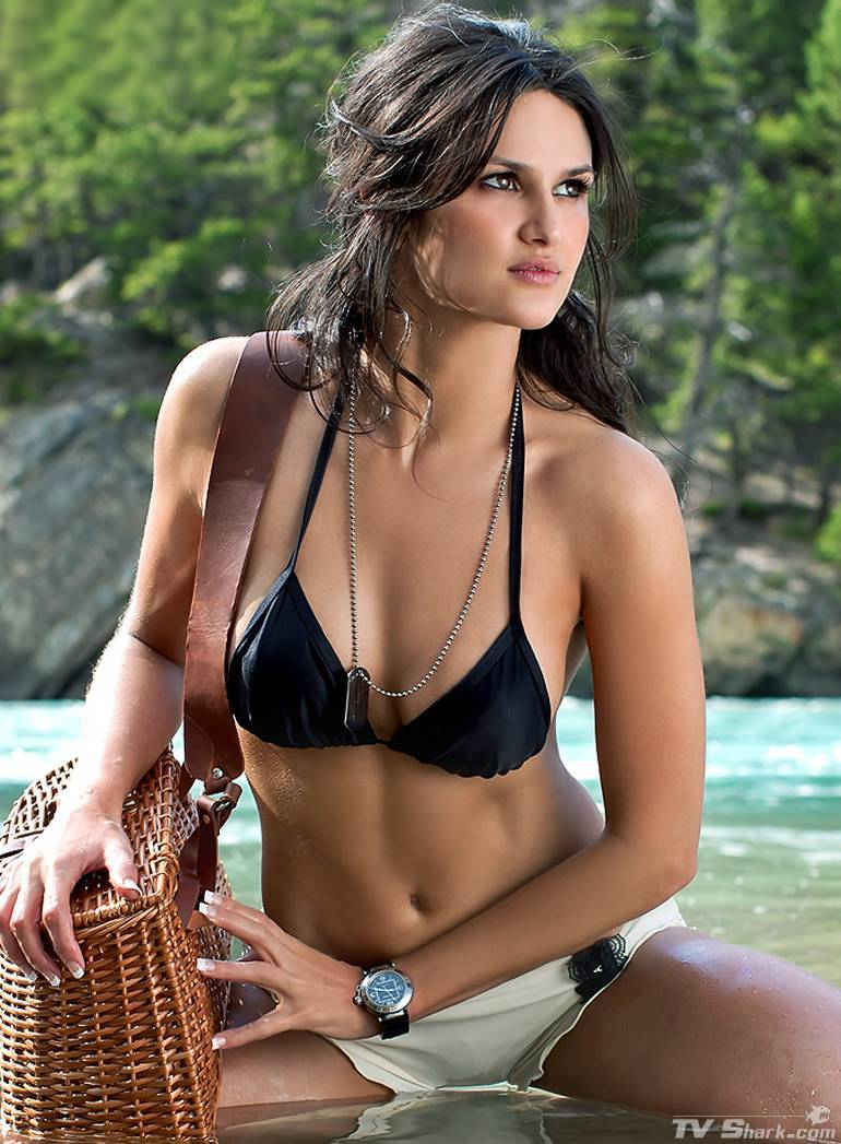 leryn_franco_bikini_white-black-bikini