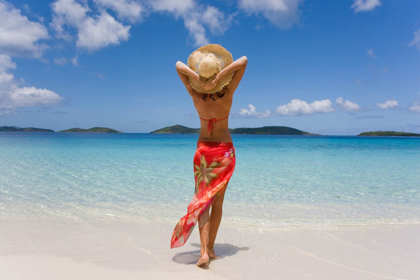 How-To-Tie-A-Sarong-1