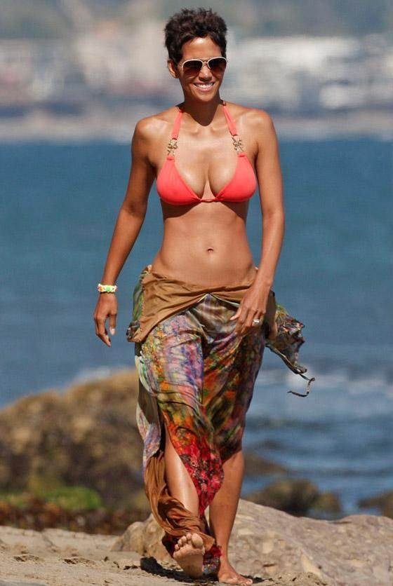 Bikini Bodies over 40 Halle Berry age 45