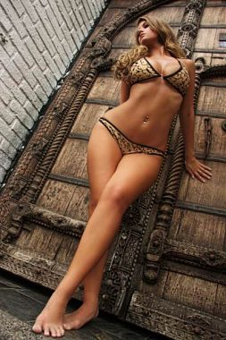 Hollywood-Glamour-Bikinis