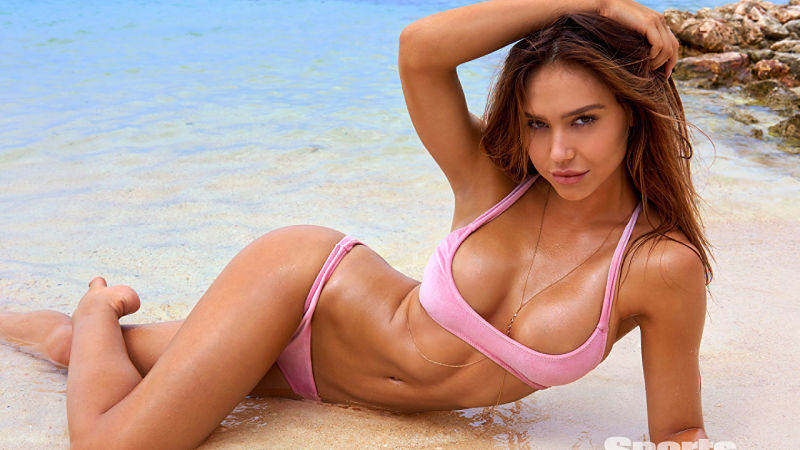 alexis-ren-Sports-Illustrated-1