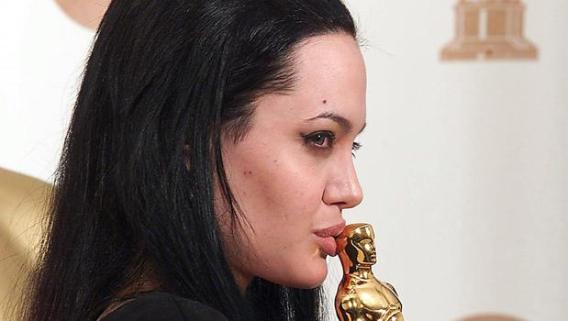 Angelina Jolie Altura