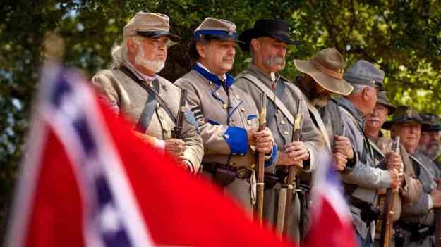 America 5 Confederate Civil War soldiers reenactment