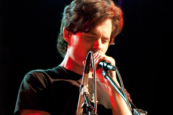 Penn Badgley Singing Like Jeff Buckley Singing Like Tim Buckley (Video)