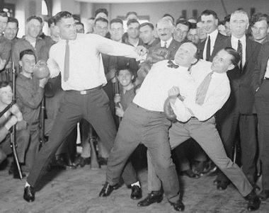 Houdini boxing