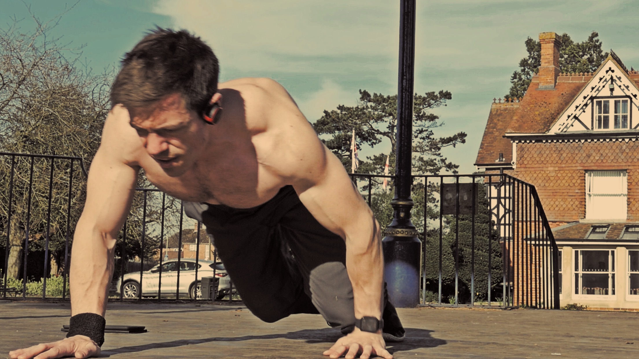 Quadrupedal movement bodyweight training