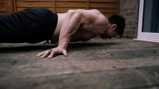 Pseudo planche push up