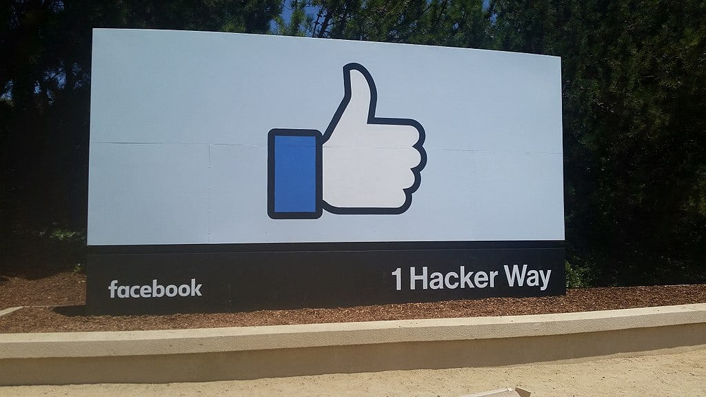 Dem Senator: Breaking up Companies Like Facebook Will 'Increase Jobs and Prosperity'