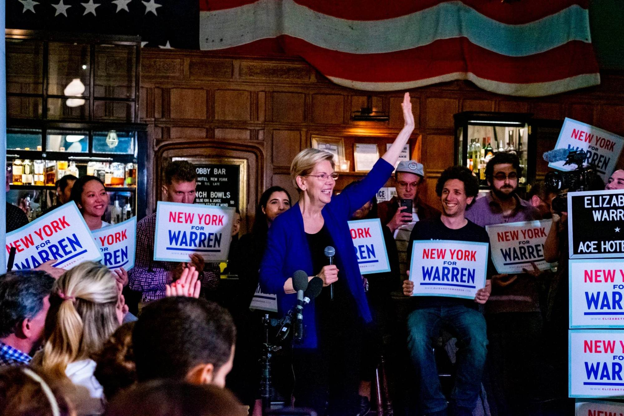 Warren Wins Straw Poll, Surges in New Hampshire