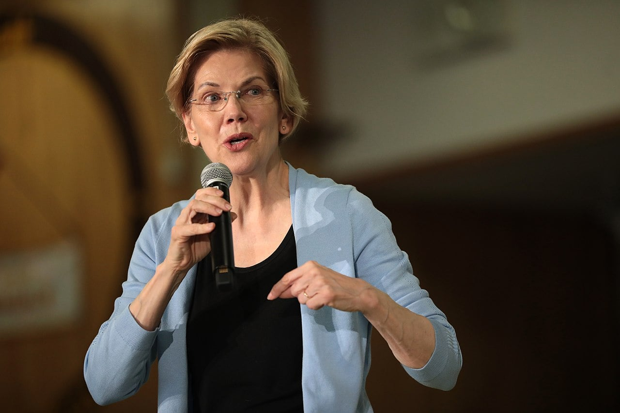 Warren Presses Pelosi on Impeachment: 'Some Things Are Above Politics'