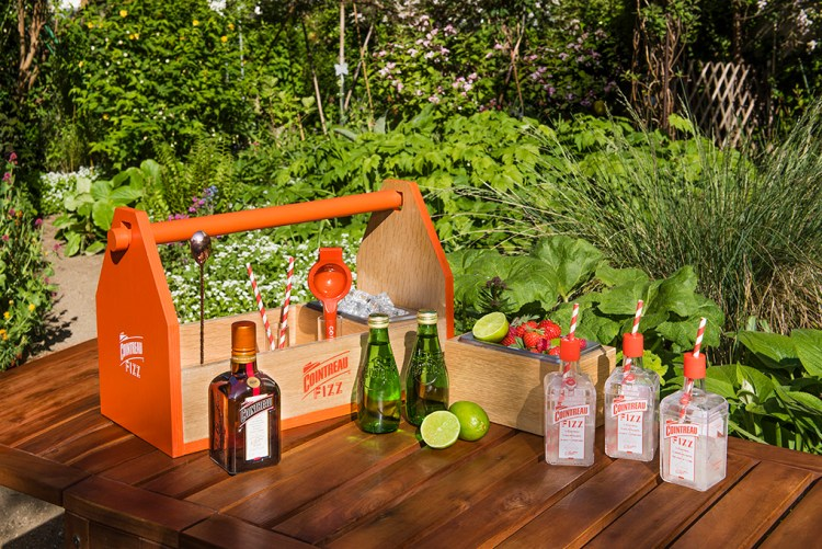 008 Cointreau Fizz Toolbox OutdoorSml