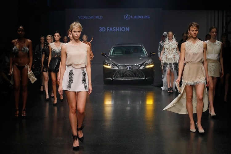 3D Fashion Presented By Lexus/Voxelworld Show - Platform Fashion July 2017