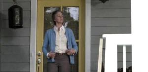 carol-dressing-down-for-remember-the-walking-dead-alexandria-life-2015