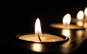 3 candles lit during a blackouts