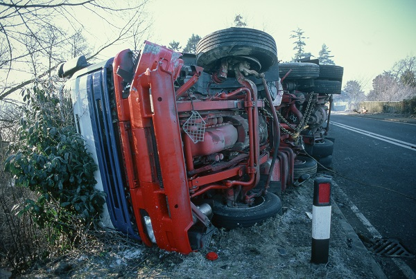 Accident on dangerous trunk route in icy, hazardous conditions, UK
