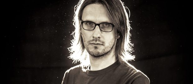 "Steven Wilson announces new album and releases single ""Pariah"""