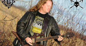 """Dan """"Chewy"""" Mongrain from VOIVOD premieres a """"Obsolete Beings"""" solo tutorial video"""
