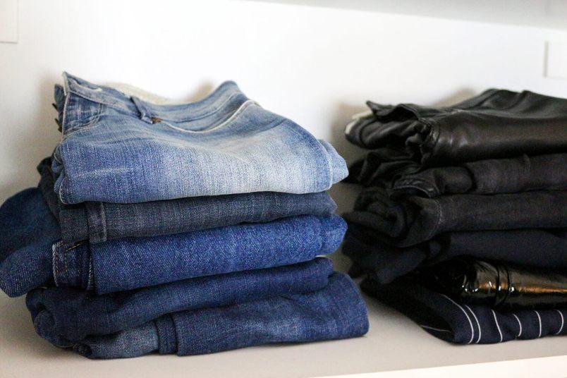 Schrank Kleidung