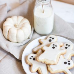 Kitchen Aid Pans Curtians Ghost Cookies For Halloween | The Blondielocks Life + Style