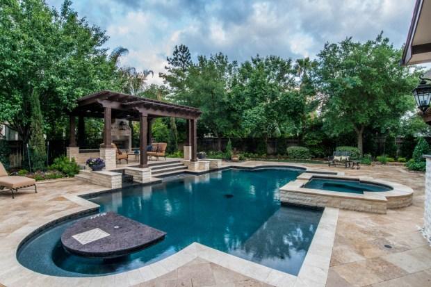 Custom Swimming Pool Designs