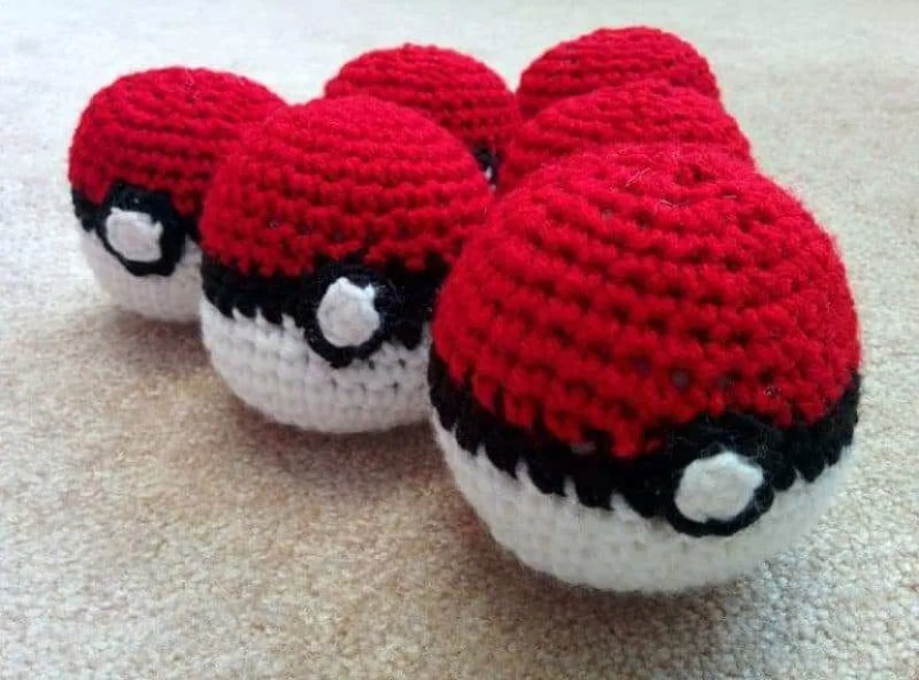 crochet-ball-pokeballs-9