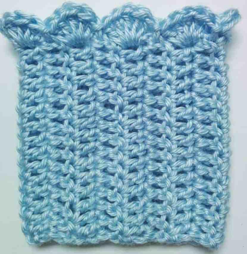 scalloped crochet boot cuffs