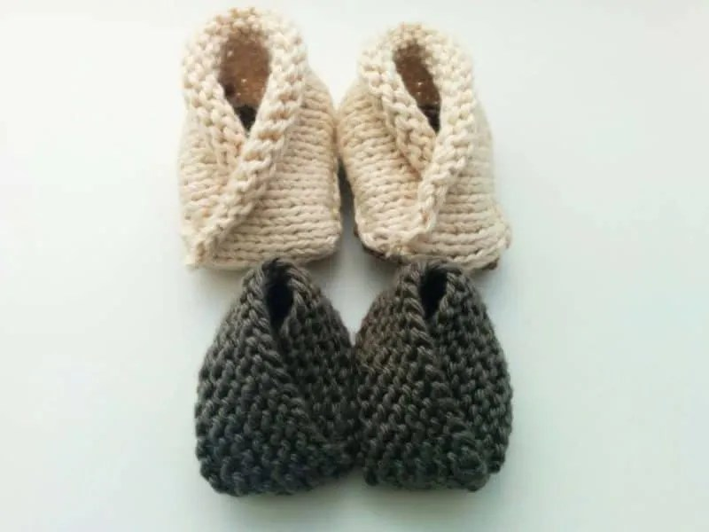 FREE Knitting Pattern: Crossover Baby Booties