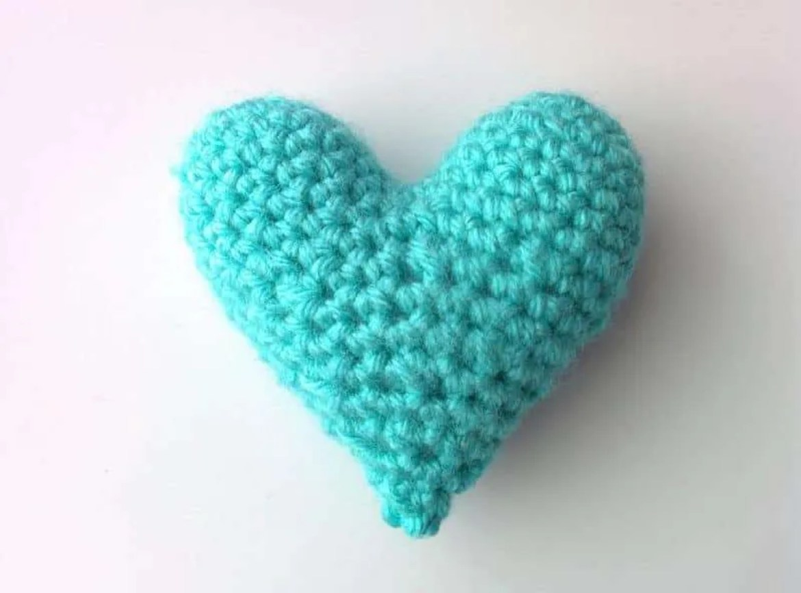 Crochet heart pattern national heart month the blue elephants this crochet heart pattern is really easy to whip up and you can make them in so many colors i think these would make really cute little gifts bankloansurffo Images