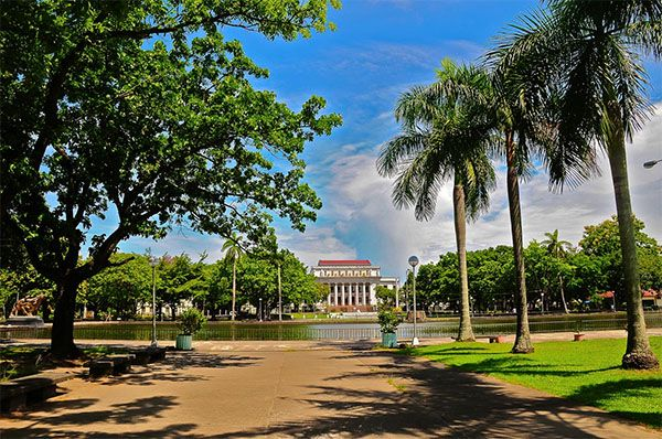 Capitol Park and Lagoon (Bacolod City) - Oh! The Places You Go!