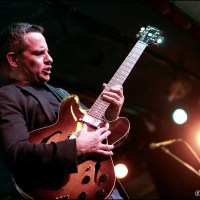 Guy 'King Of Strings' King @ Haarlemse Blues Club; truth playing guitarist!