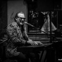 Paulie Cerra Band: live at Blues Moose Café