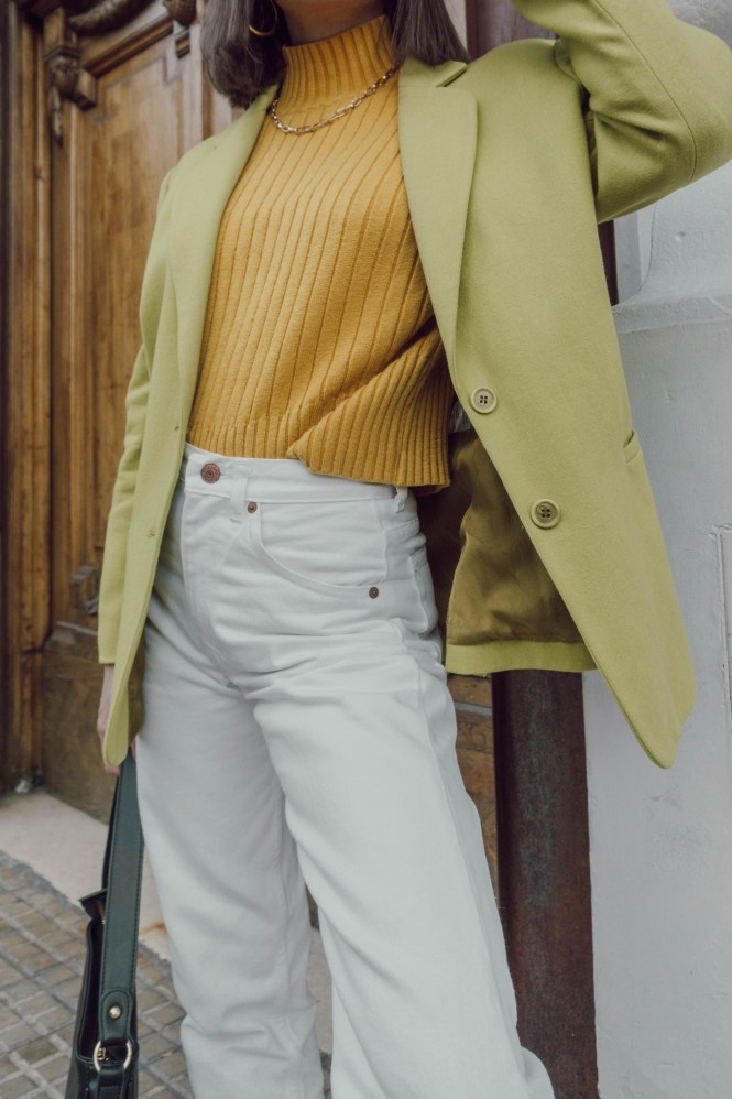 denim trend of 2021, straight jeans outfit, outfit ideas, casual chic, theblueyedgal, the blue eyed gal, color block, virtual stylist, style inspiration, effortlessly chic, blazer trend, 70s style, 70s fashion