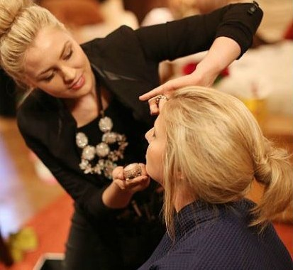 doing makeup 2