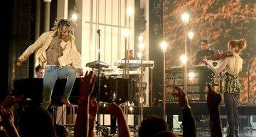 Billboard Awards 2015 Performances by Kanye West, Mariah Carey, John Legend, Nick Jonas + More [VIDEO]