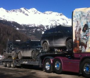 The film cars during transport - Photo: Mike Saffrie