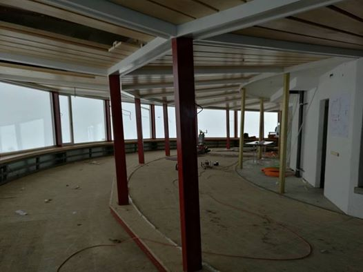 The famous revolving restaurant emptied at the beginning of the extensive renovations - Photo: Schilthorn
