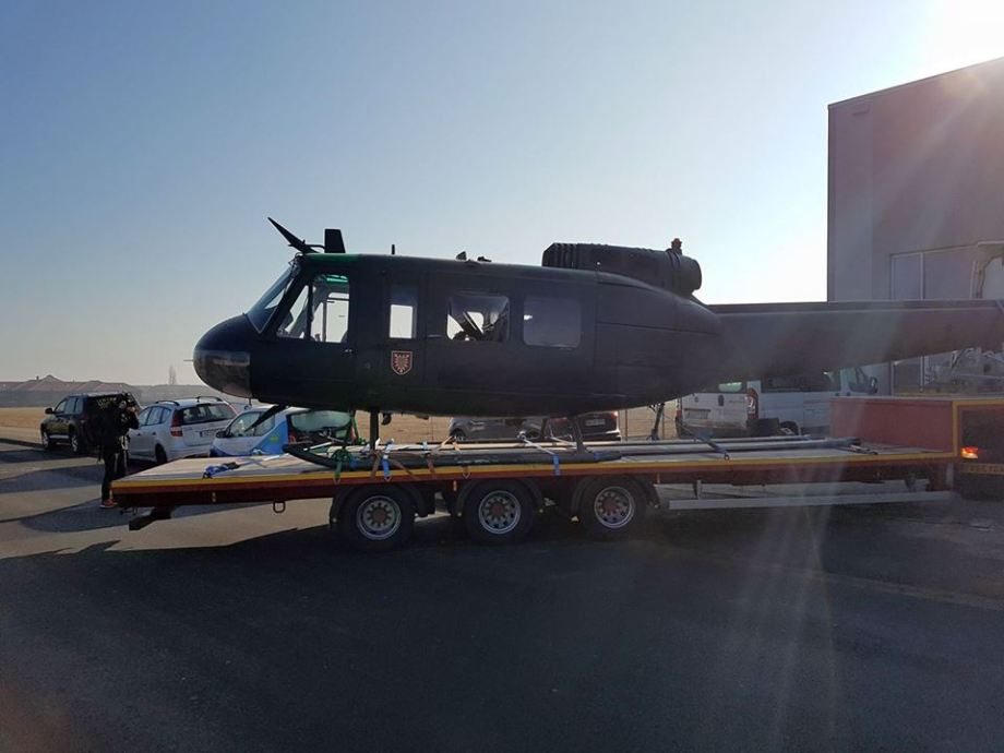 BOND 25: Bell museum helicopter on its way to the UK [VIDEO]