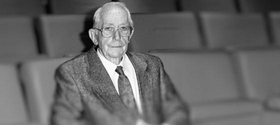 Director Lewis Gilbert dies aged 97