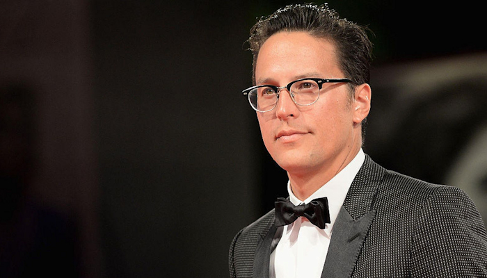 Cary Joji Fukunaga to direct BOND 25 with release date pushed to 2020