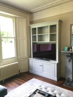 Freestanding TV/shelving unit