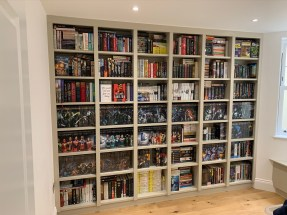wall to wall bookcase shelving