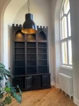 Bookcase centrepiece