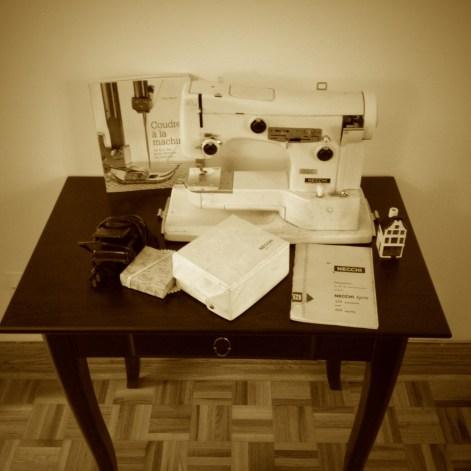 Necchi_sewing_machine