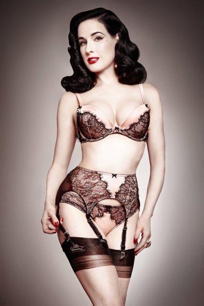 rsz_1rsz_dita_von_teese_lingerie_man_catcher_vintage_pink_high_res