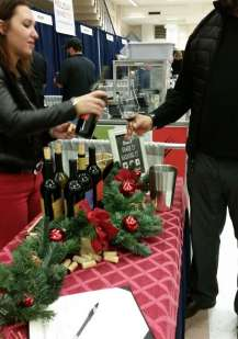 holiday-wine-fest-holly