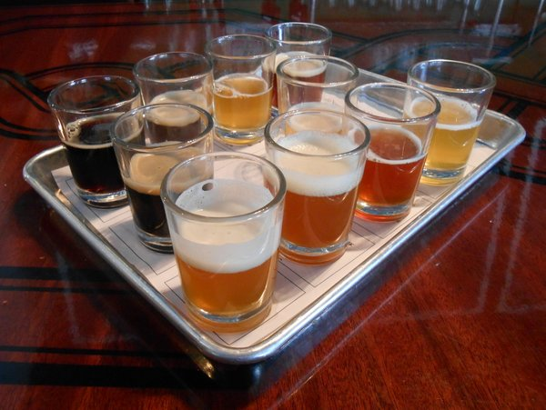 Laht Neppur sampler tray of beers