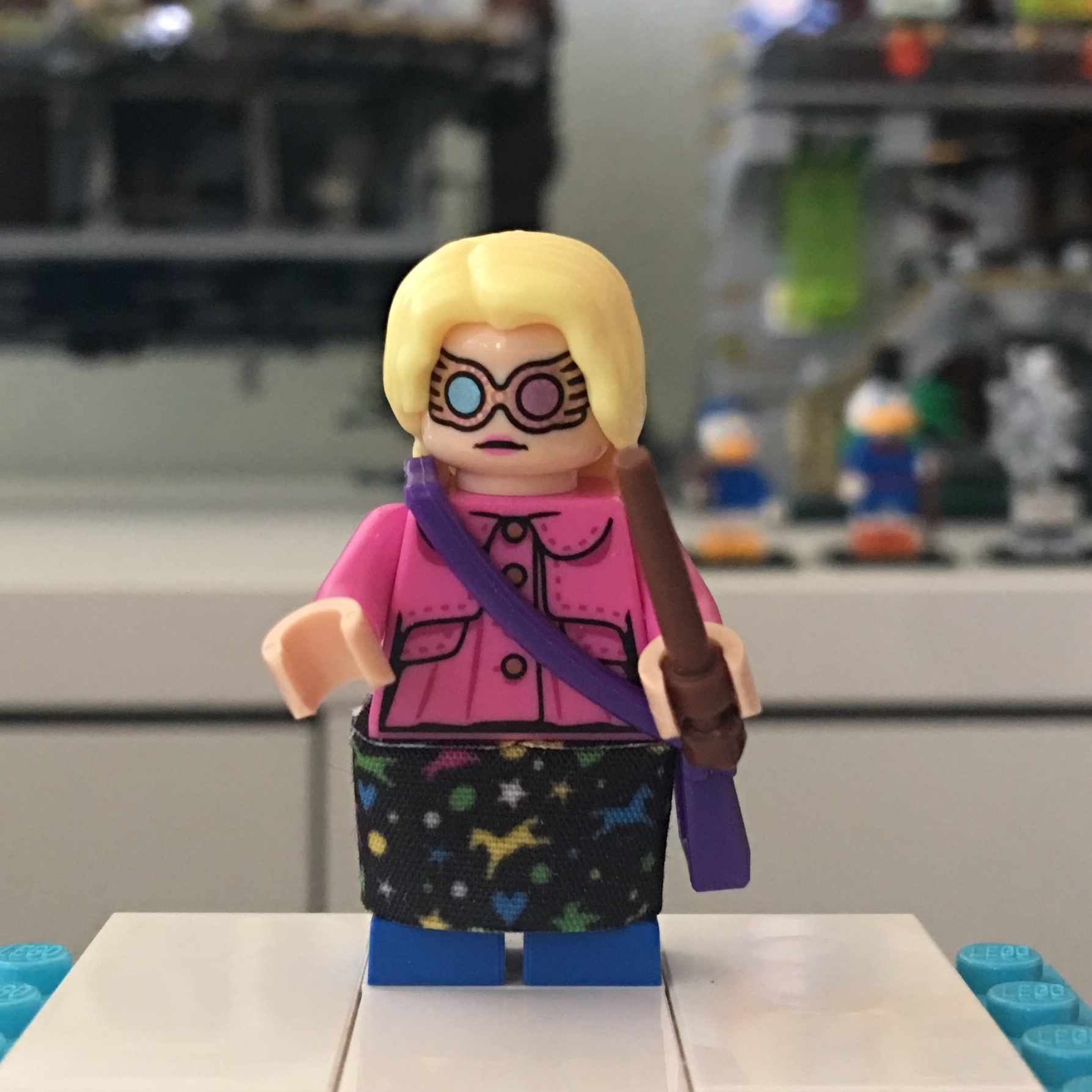 Spectrespecs // No Spectrespecs - LEGO Head Pink Lips Luna Lovegood Minifig