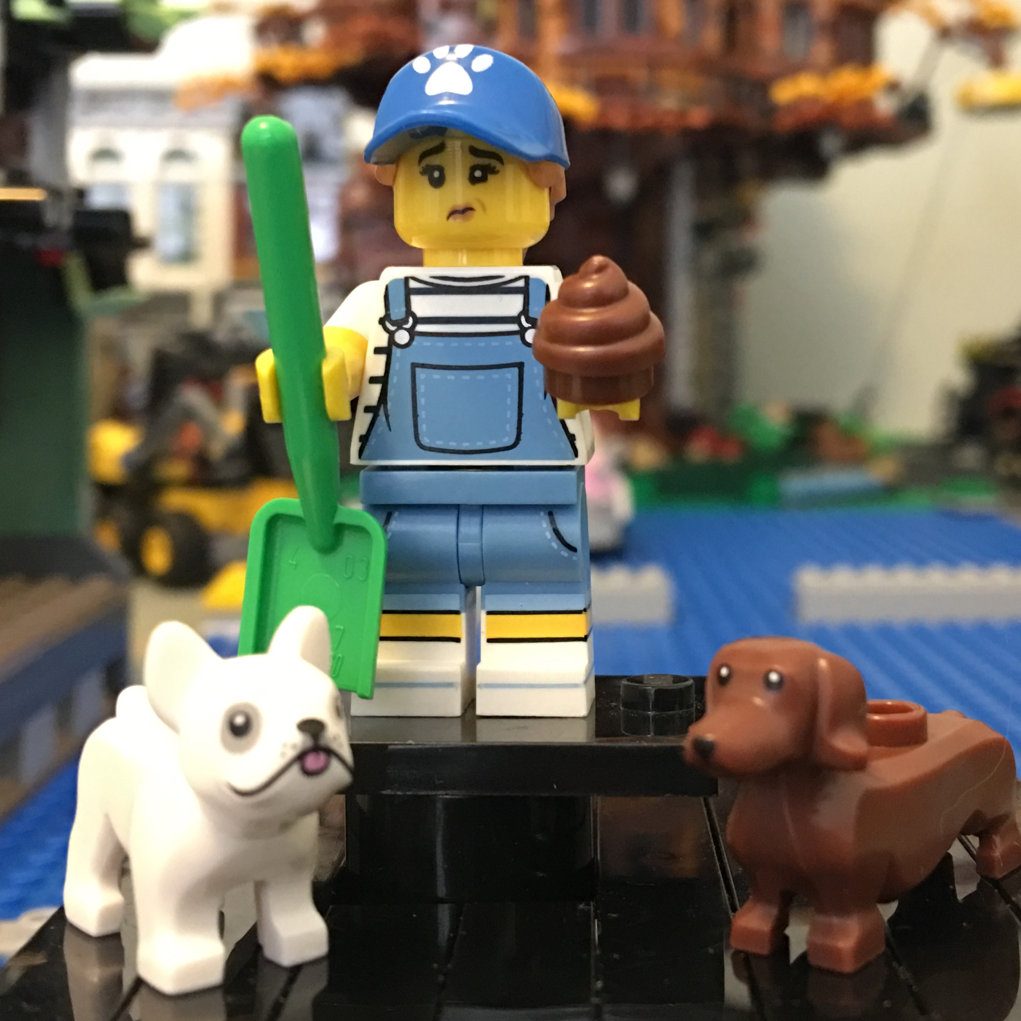 LEGO NEW BLACK TORSO WITH MEDIUM DARK FLESH ARMS SHORT SLEEVES BLACK HANDS PIECE